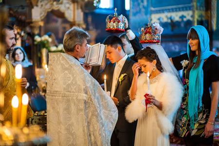 Зачем людям церковный брак?