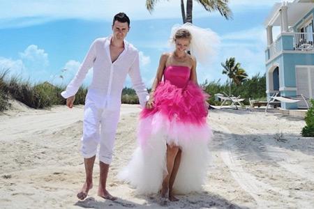 25 невест, которые отказались от классического белого платья и не прогадали