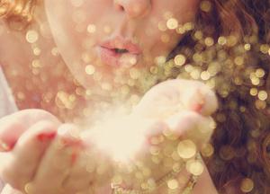 Любовь связывает собой, как драгоценной нитью