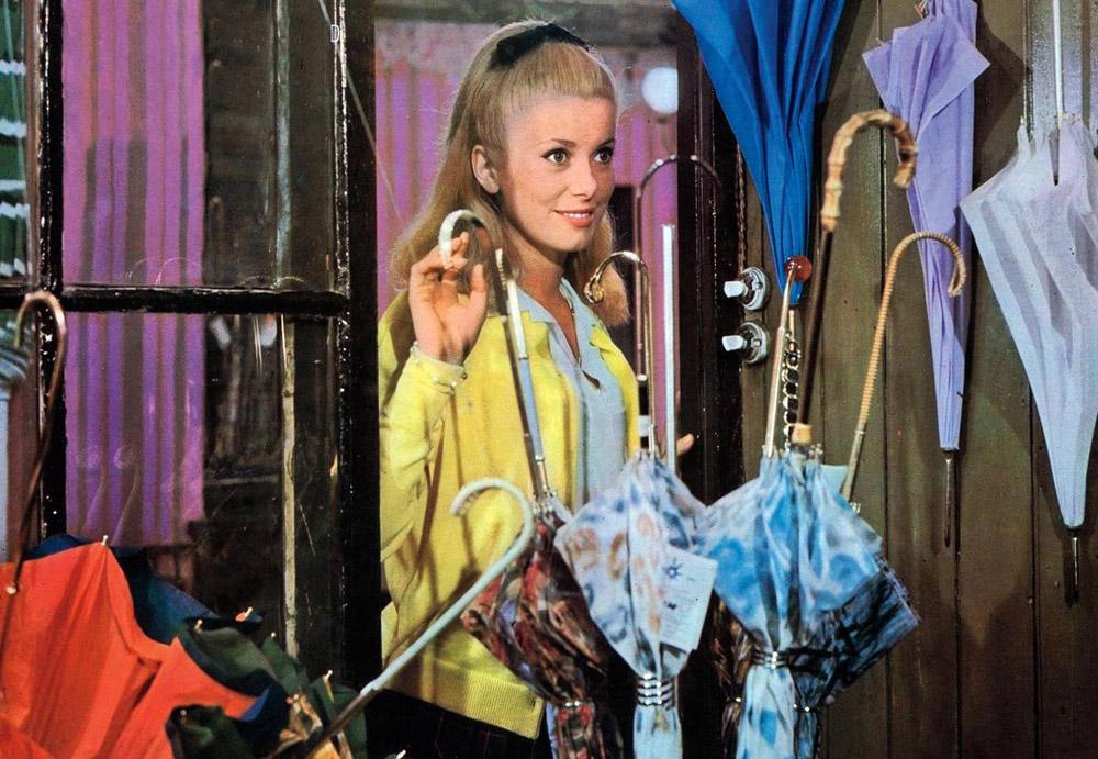 Кадры из фильма «Шербургские зонтики»