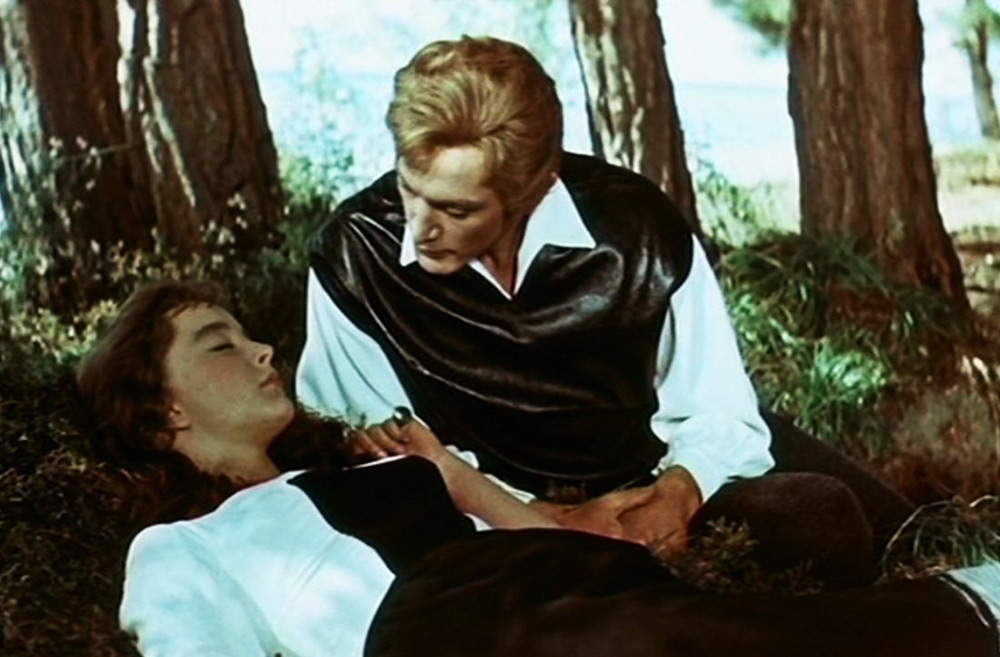 Кадры из фильма «Алые паруса»