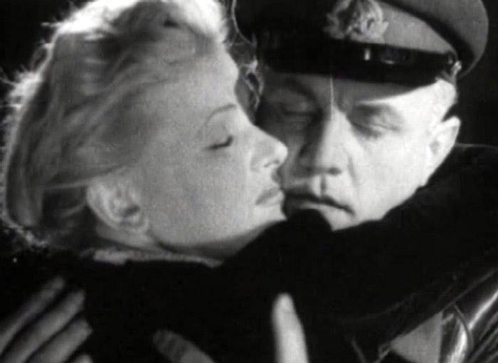 Кадры из фильма «Жди меня»