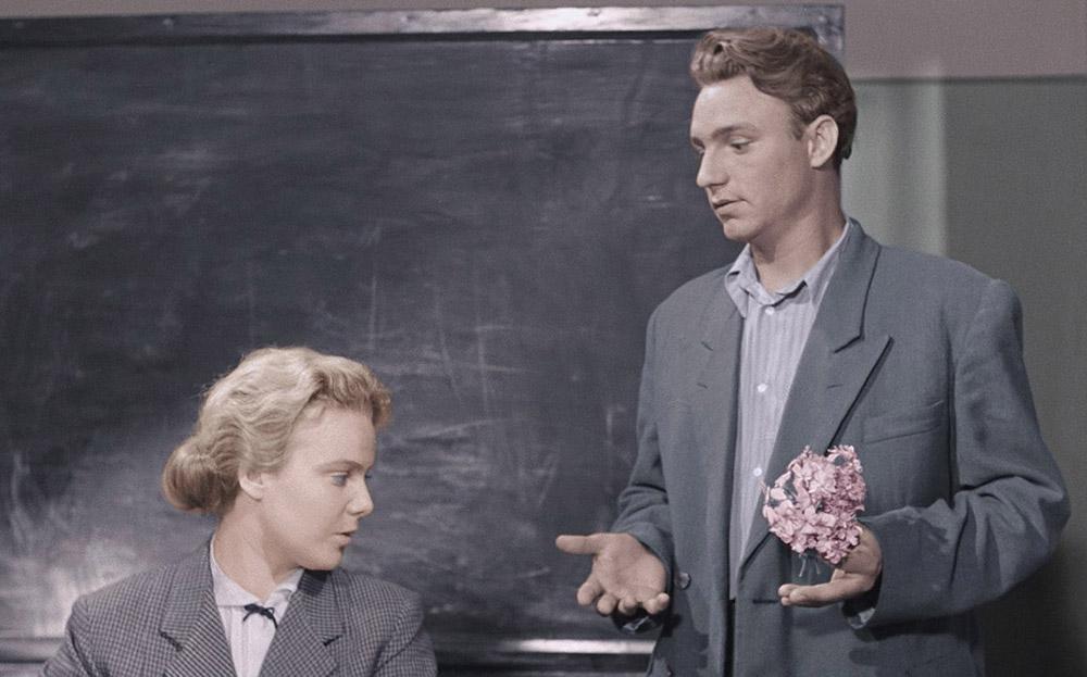 Кадры из фильма «Весна на Заречной улице»