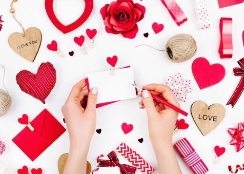 Как написать стихи о любви?
