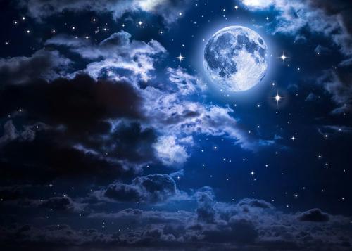 Жители Земли наблюдали необычную «Голубую Луну»