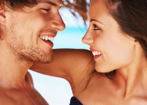 5 точных признаков, что человек влюблен, но скрывает это