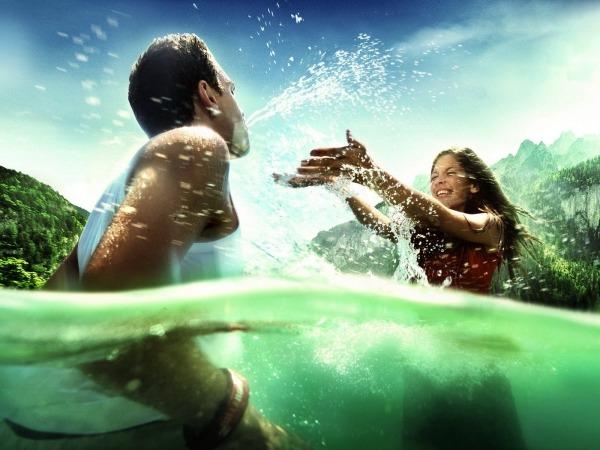Обои о любви: Влюбленные на море