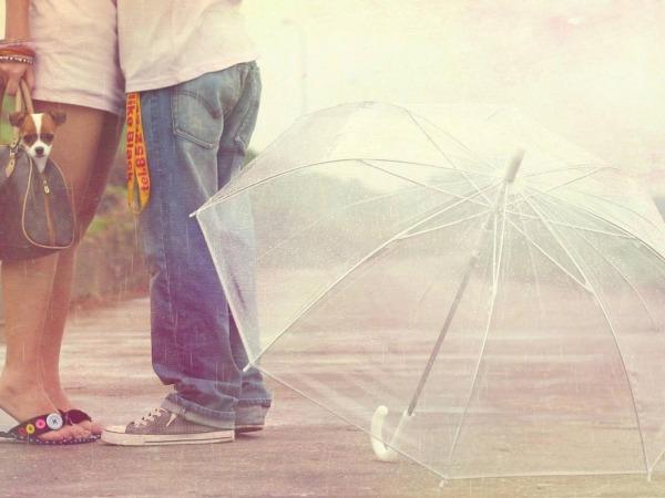 Обои о любви: Влюбленные с зонтом