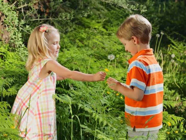 Обои о любви: Влюбленные дети