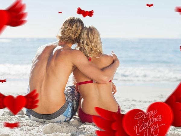 Обои о любви: Влюбленные на берегу моря в День святого Валентина