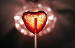 Обои о любви: Светящееся сердце