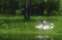 Обои о любви: Двое у реки