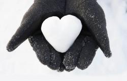 Обои о любви: Сердце из снега