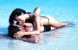 Обои о любви: Влюбленные в море