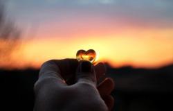 Обои о любви: Сердце на закате
