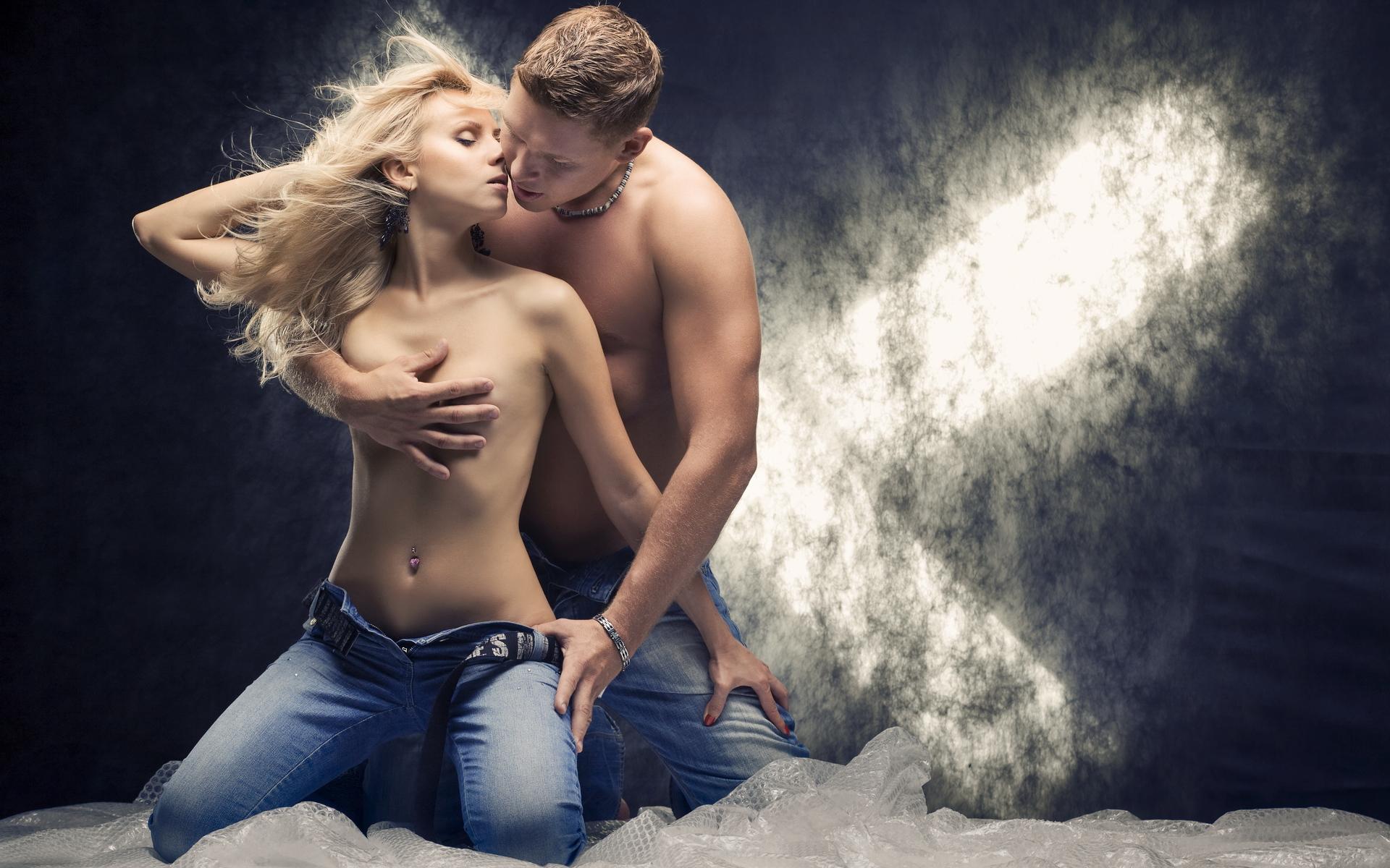 распускал руки в танце прикасался к интимным местам только если вас