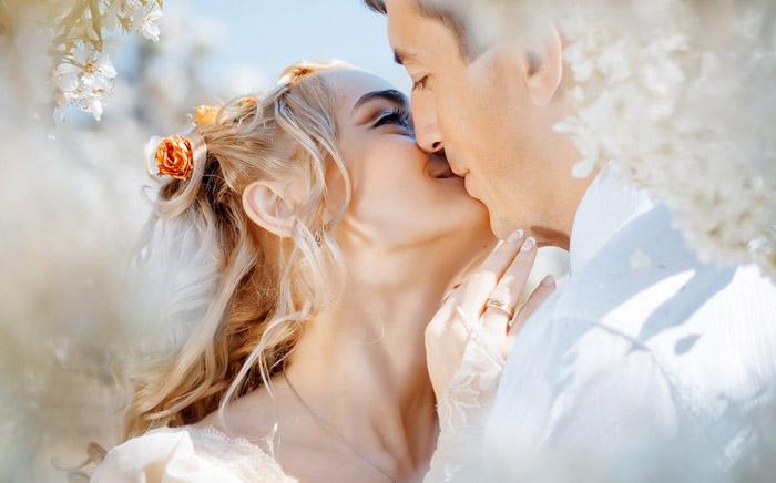 Сколько лет нужно прожить в браке, чтобы стать счастливее?