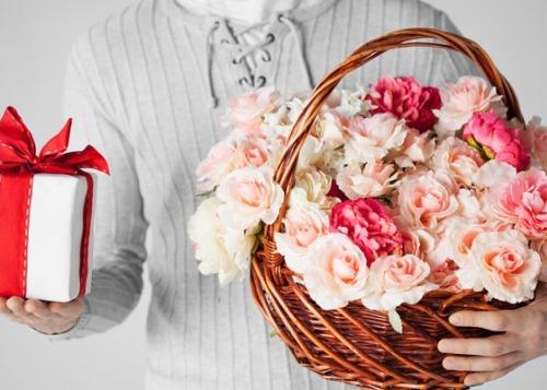 Муж не дарит подарки