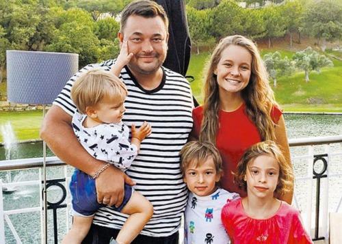 Сергей Жуков трогательно поздравил старшую дочь с днем рождения