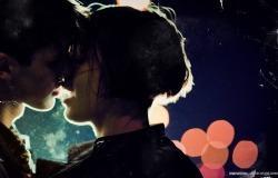 Обои о любви: Поцелуй в ночи